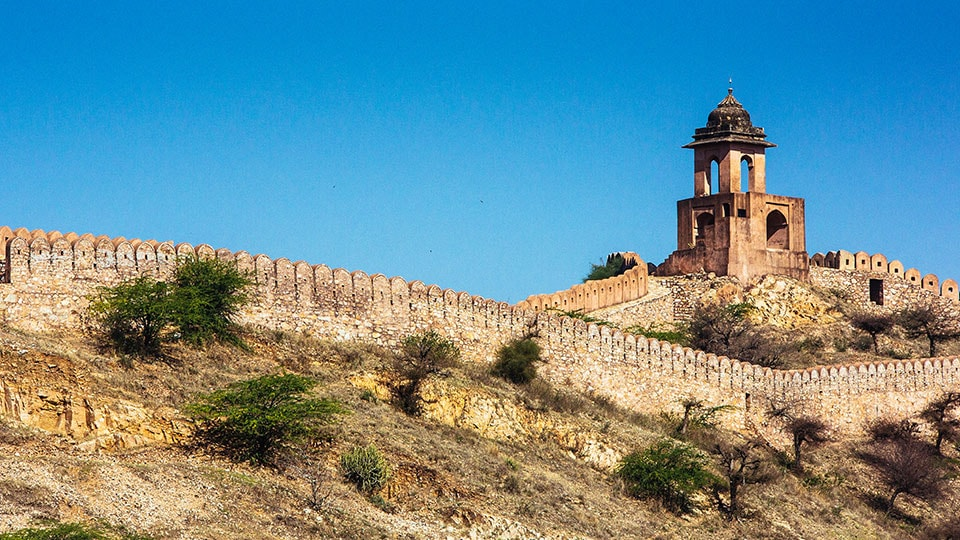 Beautiful Jaigarh Fort, behind the Amber Palace, in Jaipur, India.